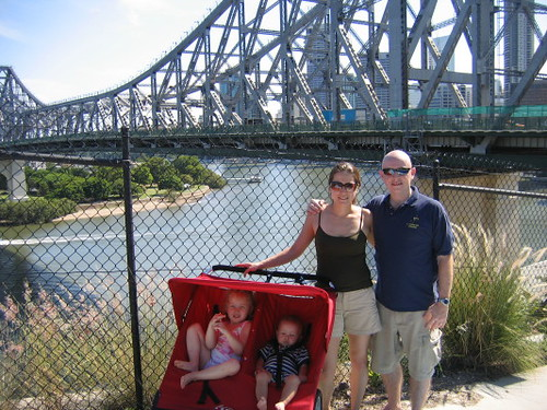 family_brisbane_river_1
