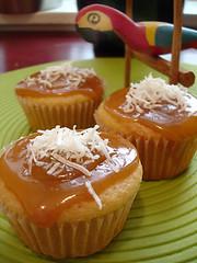 Dulce Sin Leche Cupcakes