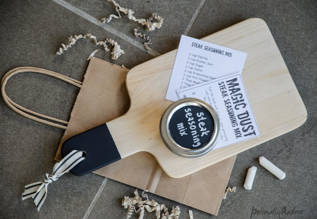 Chalkboard Handle Cutting Board | personallyandrea.com