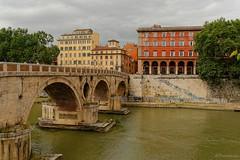 Rome : Ponte Sisto / former Roman Pons Aurelius photo by Pantchoa