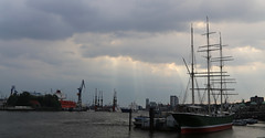 Hamburg harbour photo by Kathrin Schild