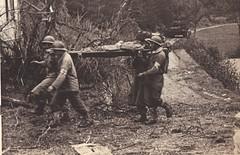 1944 - Santé - transport de blessés -Source : éditions GP - Du Tchad au Danube