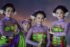 Javanese dancers photo by Warren - wh_nyc (On and Off)