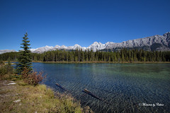 Mountain lake photo by Canon Queen Rocks (800,000 + views)