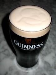 Guinness con su tr?bol y todo
