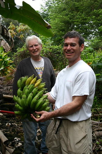 Dave and Bruce with bananas