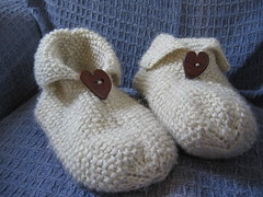 Charity Pattern - 2-strand Shaker Knit Slippers