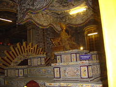 Khai Dinh Statue