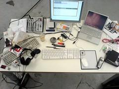 Schreibtisch-Chaos