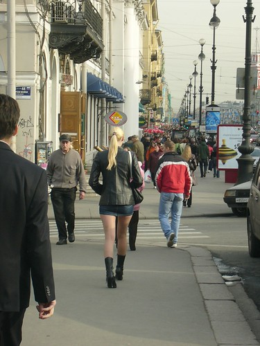 Women in Russia - freezing, and yet they still wear short skirts