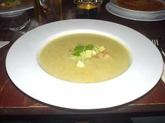 Kartoffel-Lauchcreme mit Croutons