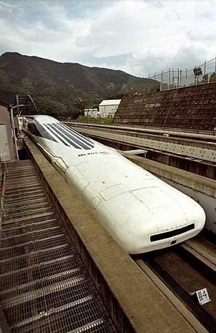 trenes del pasado, presente y futuro