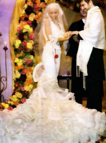 xtina_wedding_pics1_thumb
