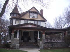 058 queen anne style house at 300 kenilworth ave
