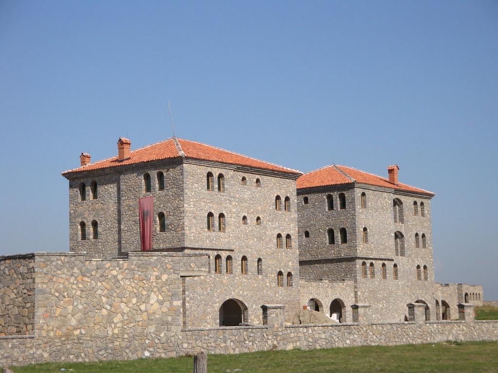 Kullat e Dukagjinit - Albanian architecture photo by besartid
