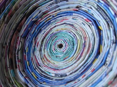 A arte em reciclar - canudos de papel photo by Criativa Papel Arte