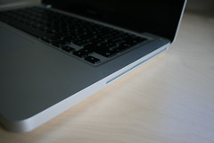 Apple Aluminum MacBook (Late 2008) photo by William Hook
