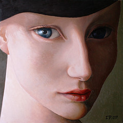 Young woman with a black hat. photo by ipalbus