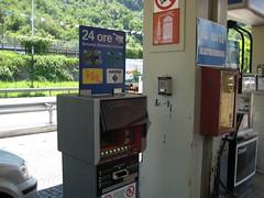 Zahlautomat an einer italienischen Tankstelle