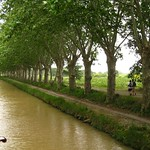 Walking along the Canal du Midi
