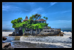 Tanah Lot photo by RauLopez