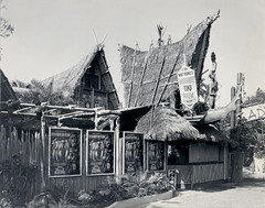 Disneyland Tiki Room Entrance 1963 photo by Miehana