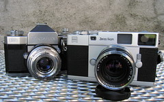 ZI Rangefinder with Contaflex photo by Riex