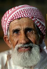 old giggle =) ... photo by Anas Bukhash (nascity)