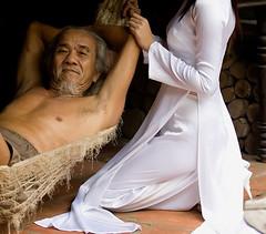 áo dài quyến rũ photo by love_aodai