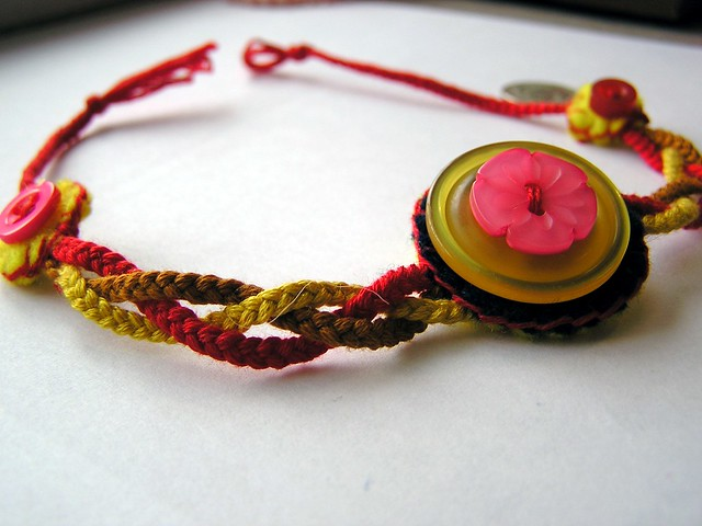 Embroidery floss bracelets « origami