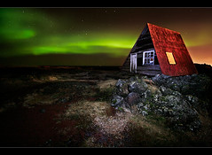 Red Roofed Hut II photo by orvaratli