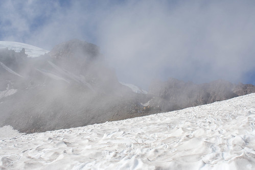 Looking up to Camp Muir in the cloud