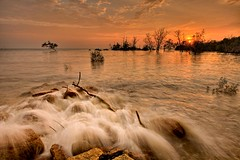 Sunset at Batu Laut photo by Dashuki Mohd