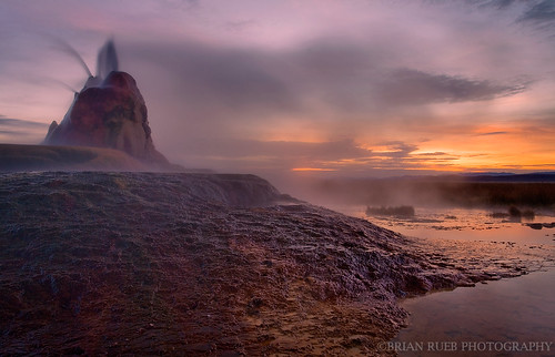 Fly Geyser photo by chaybert (Brian Rueb)