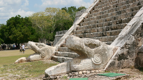 Mean Slytherin dudes, Chichen Itza