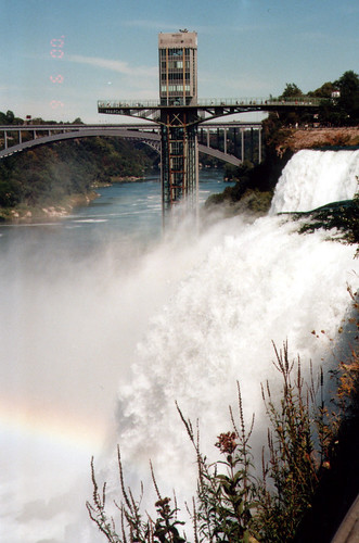 Niagra fall (by Audiofan)