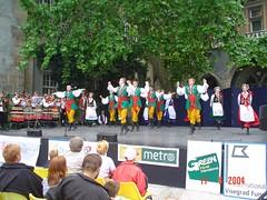 Persembahan Tarian Tradisional Hungarian di Vajdahunyad Castle, Budapest, Hungary
