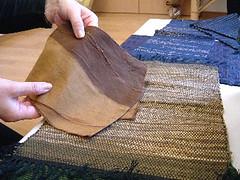 横糸に使った古布、色褪せでこんな個性的