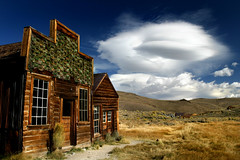 Bodie housefront photo by Sara Heinrichs (awfulsara)