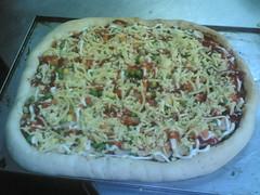 pizza yg belum masuk dlm oven lg