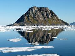 Svalbard reflections photo by kenyai