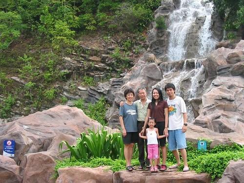 Jacq, John, Yanti. Darren and Dylea