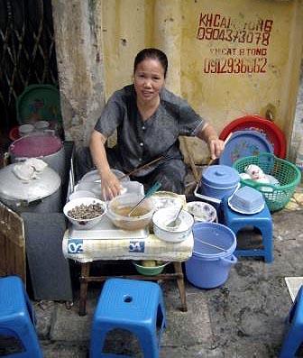 Banh cuon woman