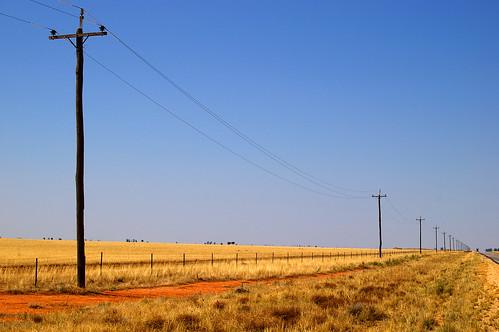 IMGP0502 urana road electricity
