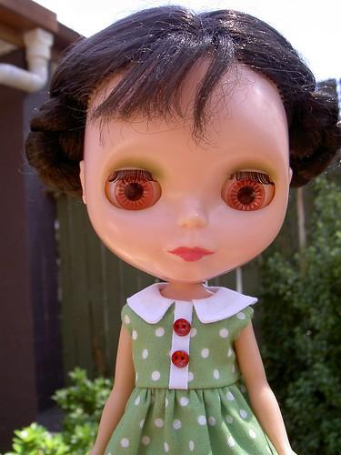 She kind of looks like an apple-pickin' mountain maid.