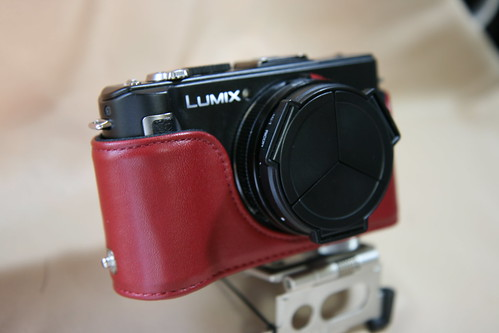 DMC-LX3 with Eveready Case RED 2/3
