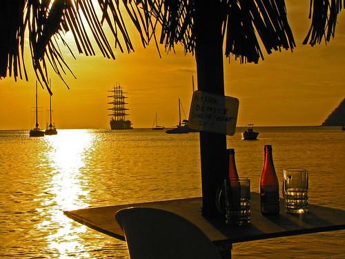 Czartery jachtów