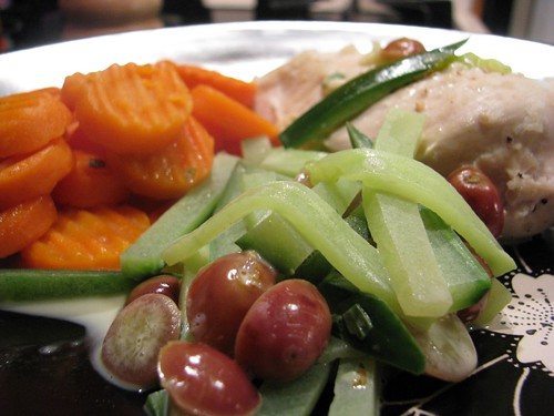 Dining Alone: Steamed Garlic Chicken with Cucumber and Grapes
