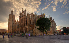 Catedral al atardecer-Leon-Spain photo by dnieper