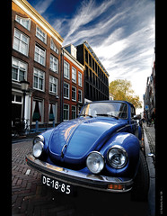 VW Volkswagen Beetle, escarabajo, cucaracha, poncho, cepillo, maggliolino... at Utrecht streets!! photo by B'Rob